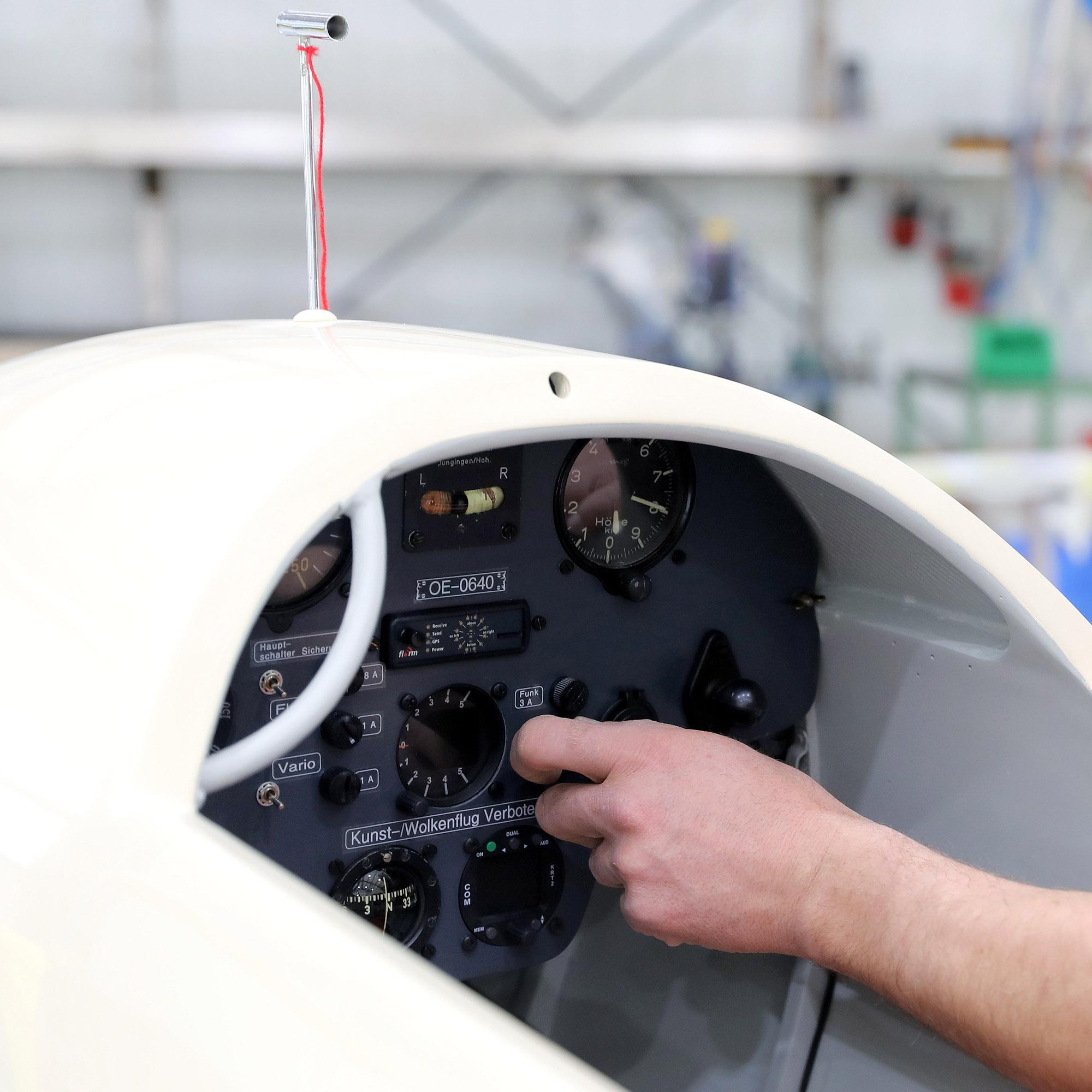 Leon-Tech Aircraftservice - Elektronik